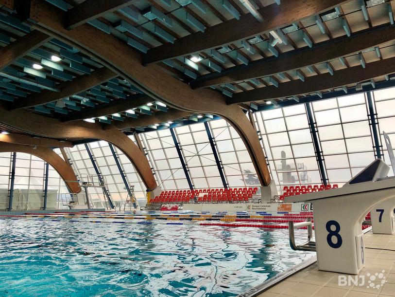 Réouverture des guichets et des piscines à Neuchâtel